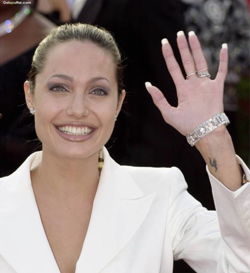 Angelina Jolie Show Aries Tattoo On Wrist