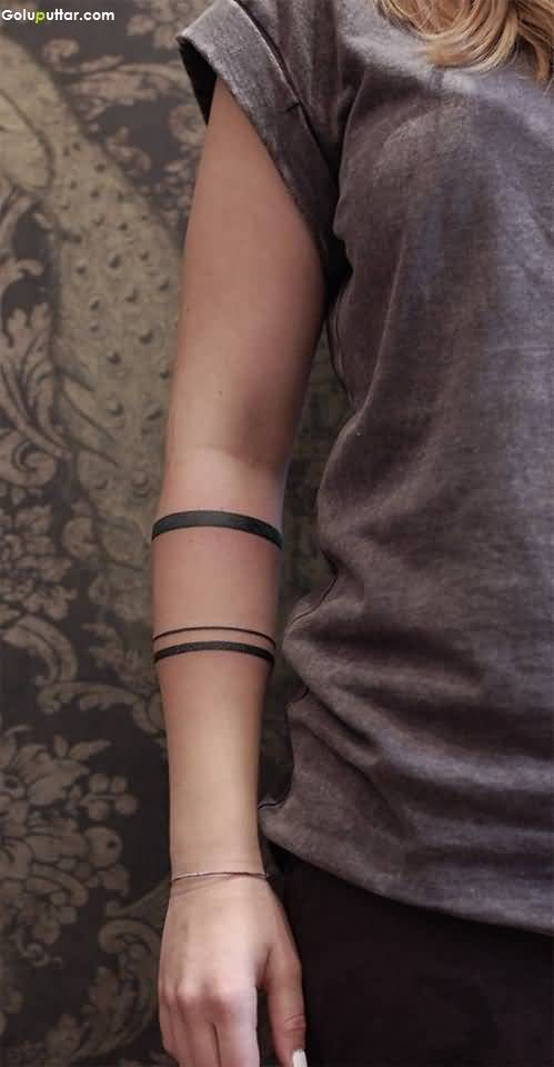 2da45ba98a89e Women Show Solid Armband Tattoo On Right Arm | Goluputtar