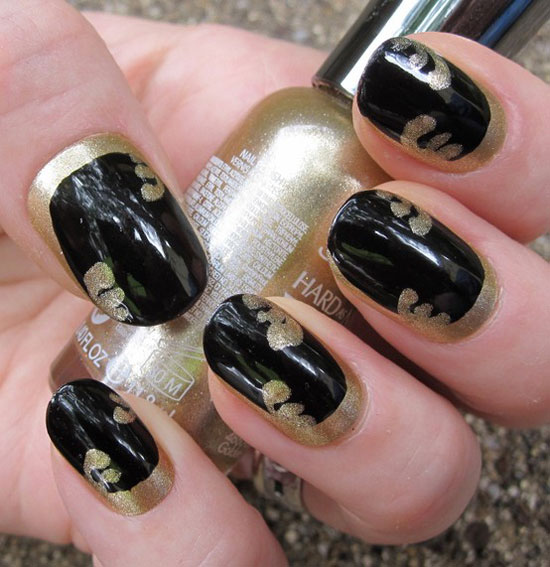 nail art in black color - 38