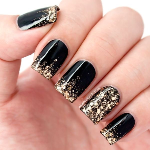 nail art in black color - 4