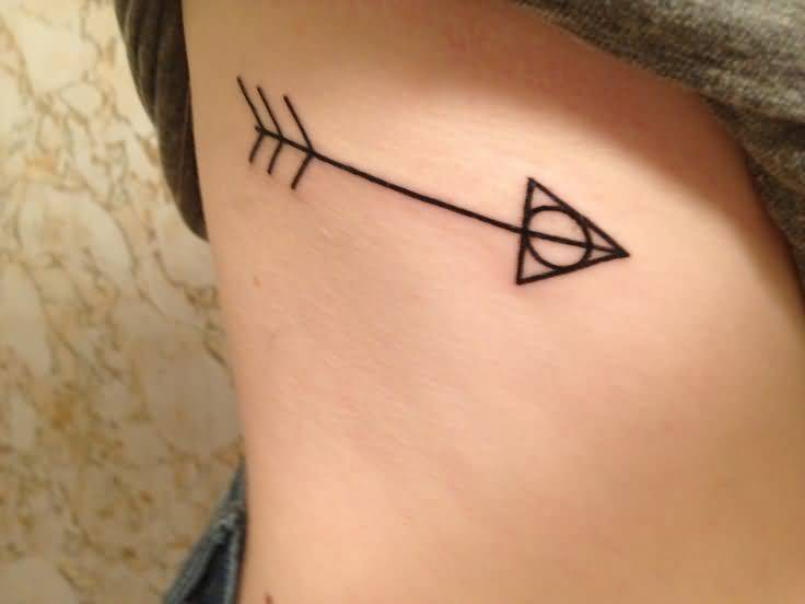 Awesome Ribs Tattoo Of Big Arrow For Girl