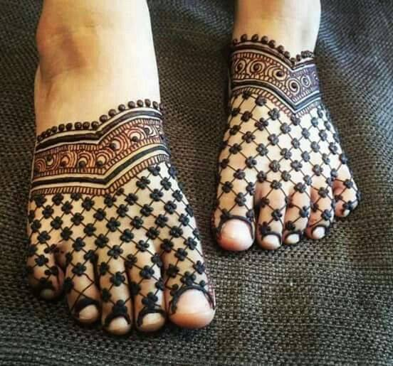bridal mehndi designs for feet - 096575
