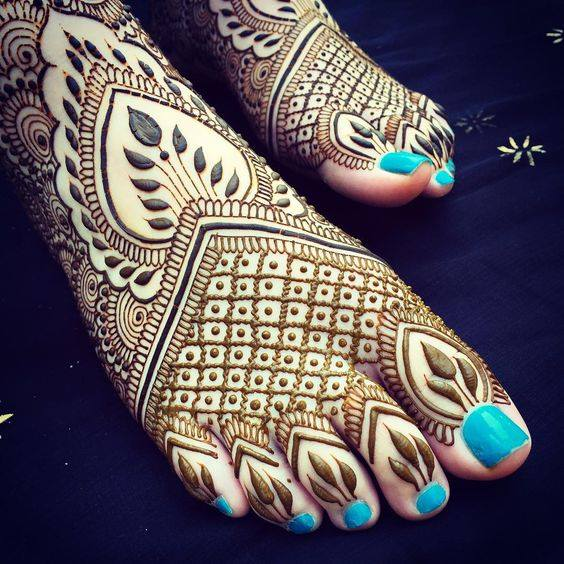 foot mehndi designs and art - 001