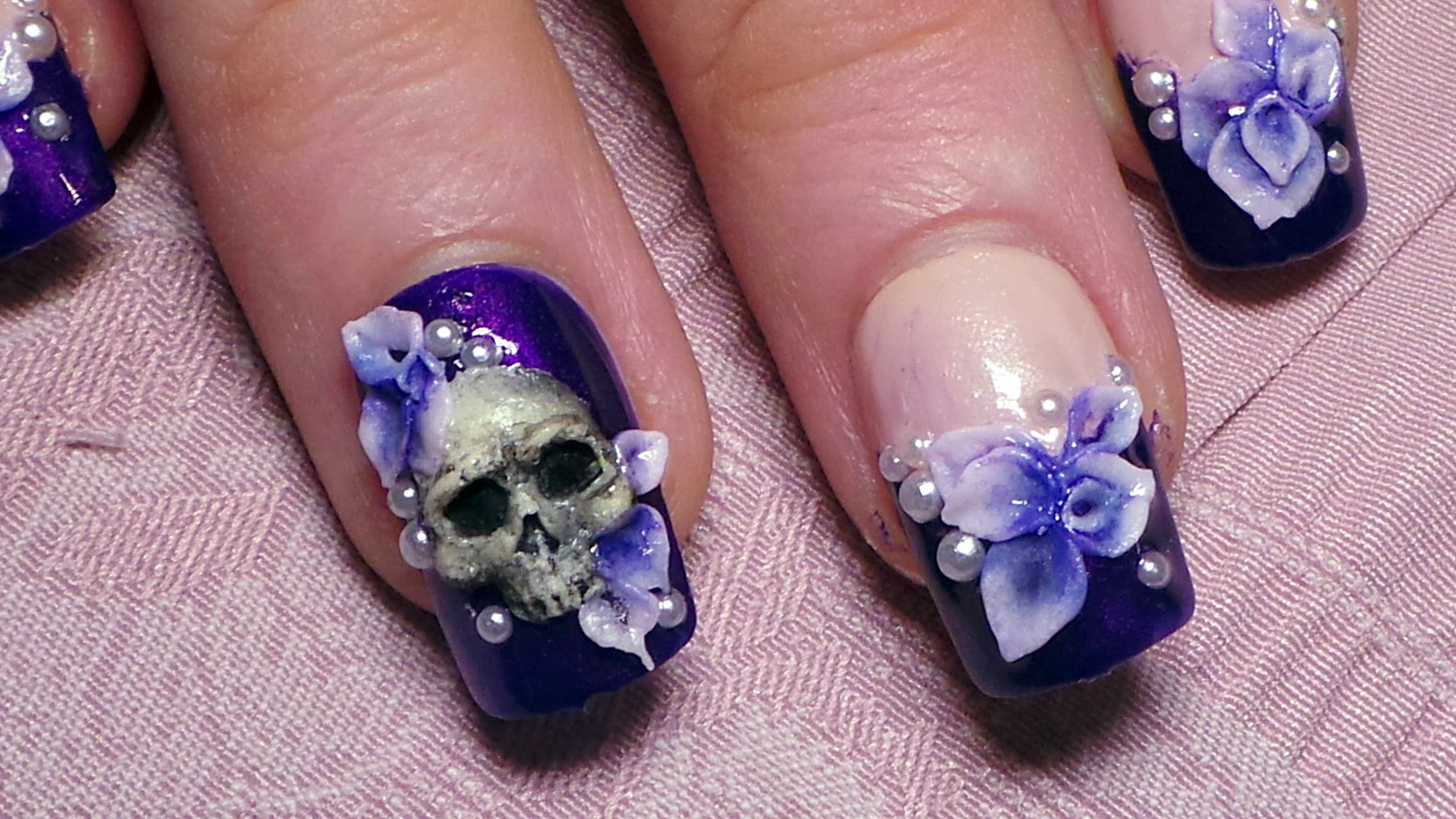 horror skul nail art