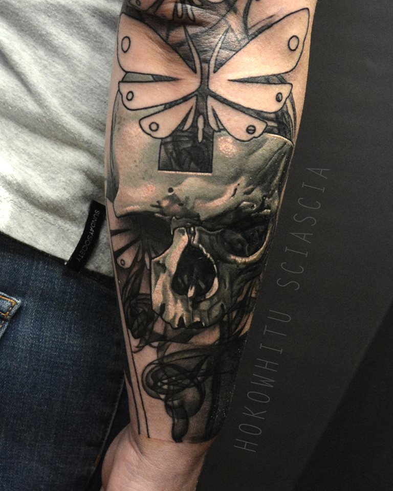Amazing 3D Skull Tattoo On Right Arm By Hokowhitu Sciascia