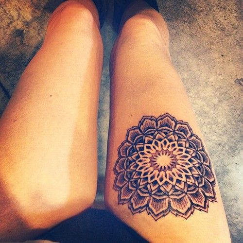 Black Ink Mandala Lotus Flower Tattoo On Right Thigh