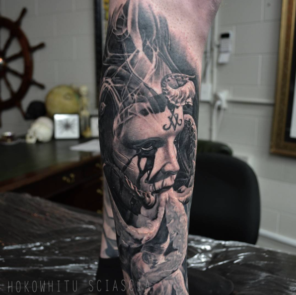 Classic Black And Grey Man Face With Octopus Tattoo On Right Leg By Hokowhitu Sciascia