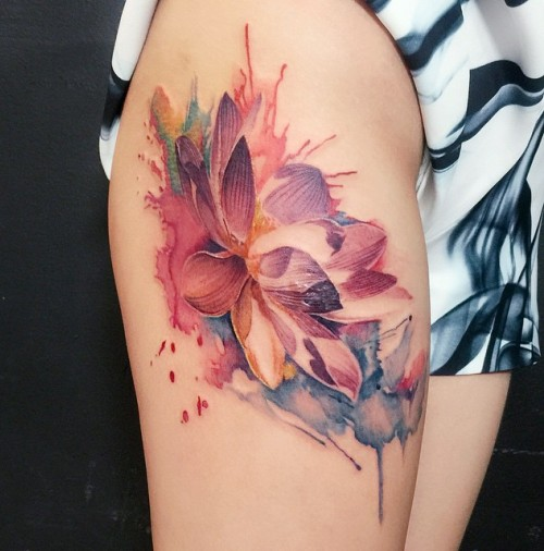 Cool Watercolor Lotus Flower Tattoo On Right Thigh