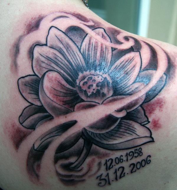 Memorial Black And Grey Lotus Flower Tattoo On Right Back Shoulder