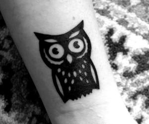 Wonderful Black Ink Owl Tattoo Design For Wrist