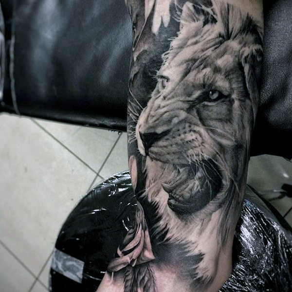 African lion tattoo design