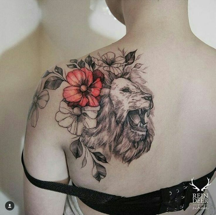 incredible lion tattoo on shoulder for girls