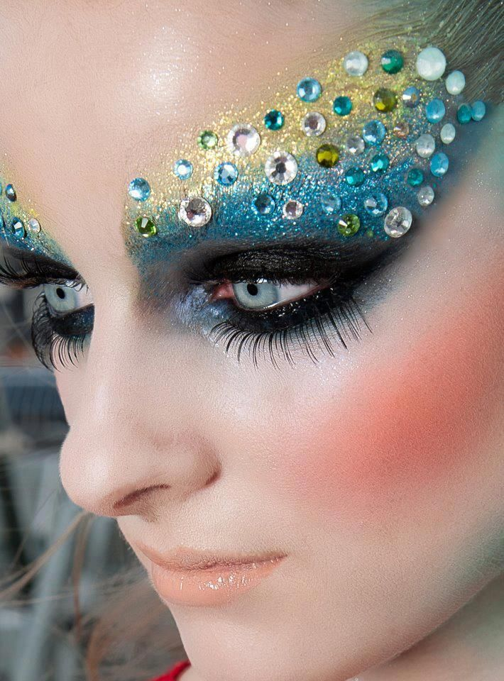 Mind boggling eye makeup ideas which are beyond for Mind boggling ideas