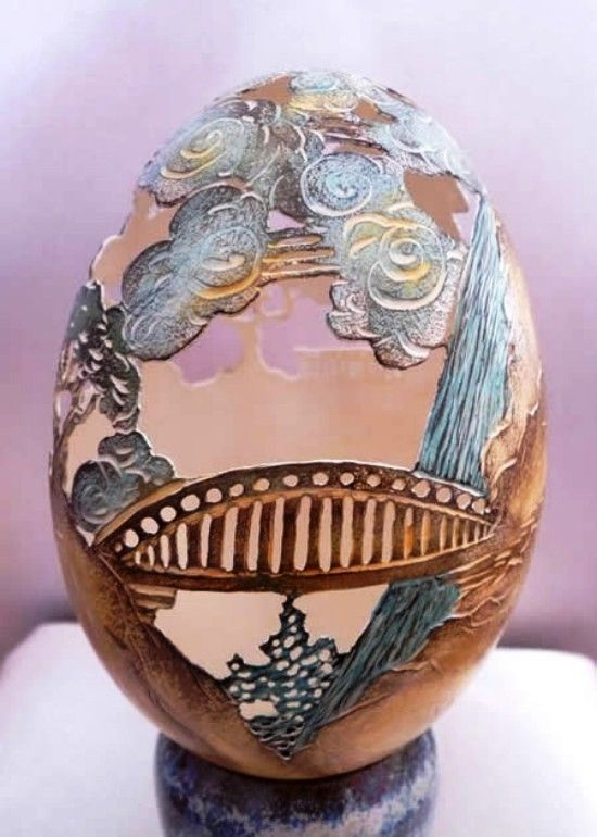 Classical piece of art on eggshell