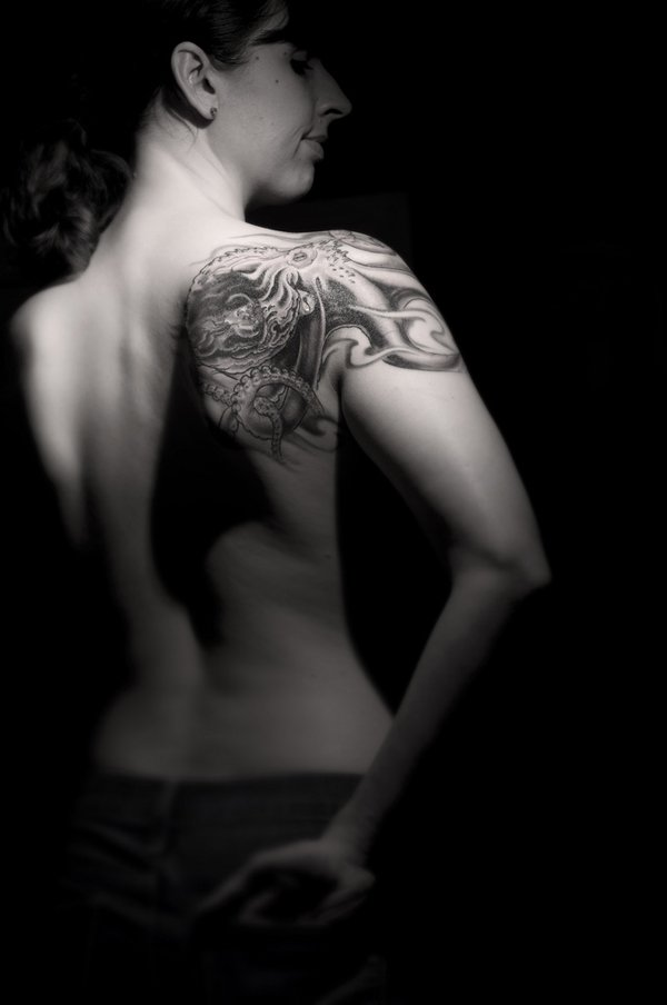 coll octopus tattoo to cover shoulder of beautiful girls