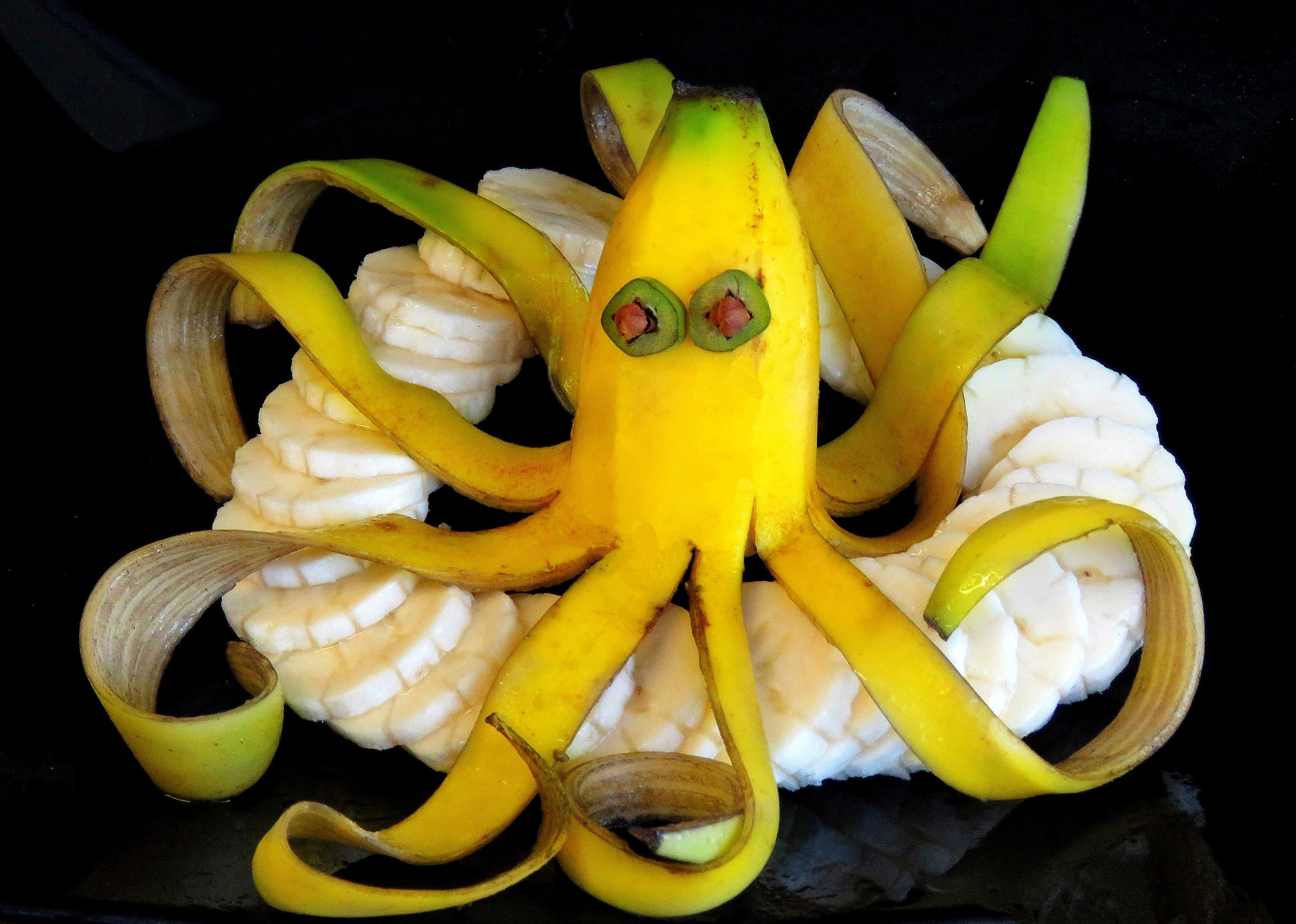 funny fruit and vegetable carving (14)
