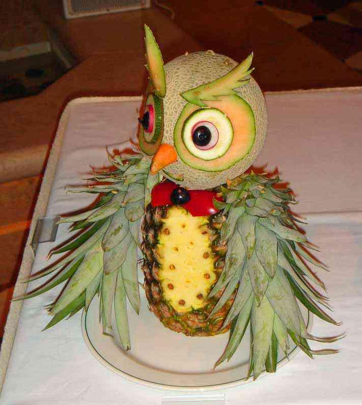 funny fruit and vegetable carving (20)