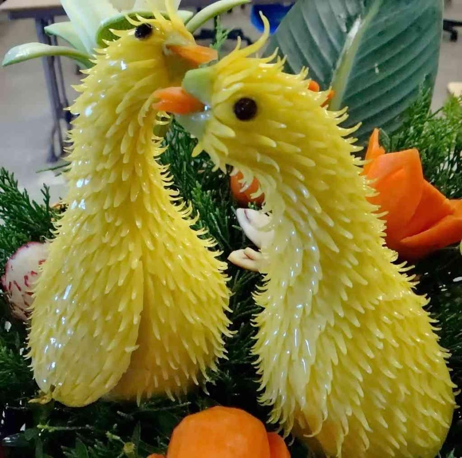 funny fruit and vegetable carving (21)