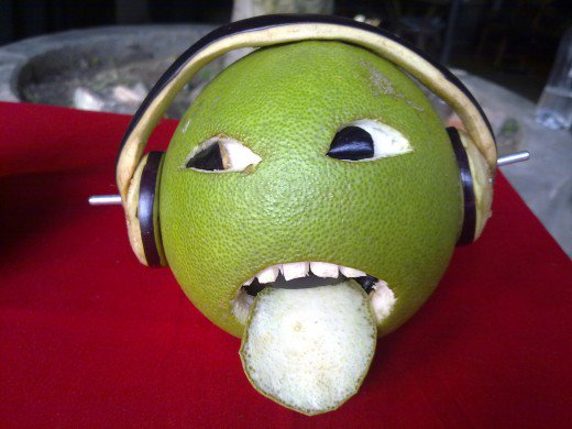 funny fruit and vegetable carving (8)