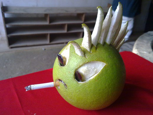 funny fruit and vegetable carving (9)